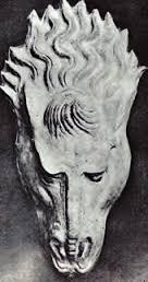 Alçıdan Yapılmış At Başı